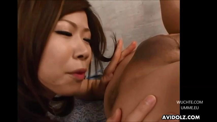 Blasen und Arschloch lecken auf asiatisch